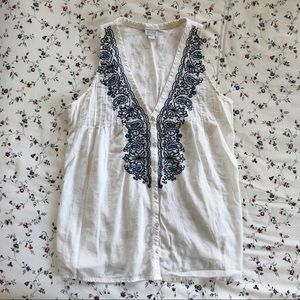 white and blue converse tank